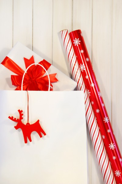 gift with white shopping bag