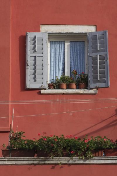red house facade rovinj