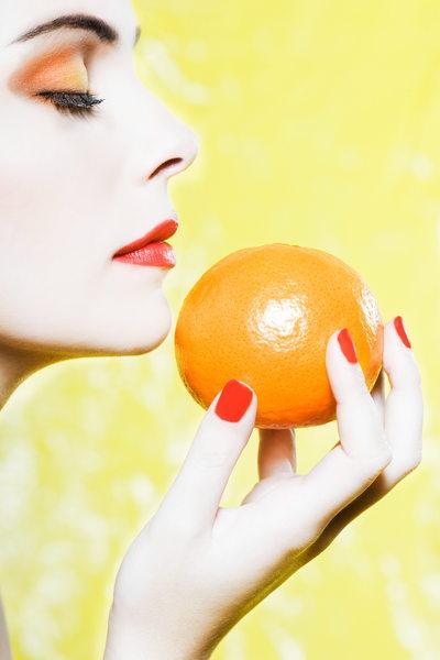 woman portrait bite an apple