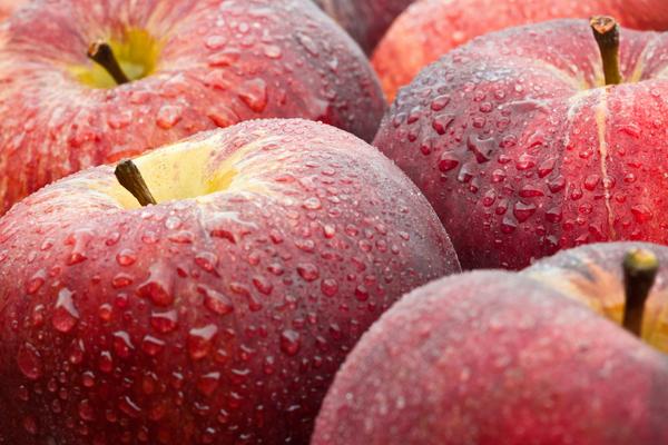 apples wet