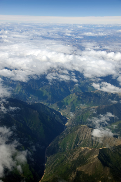 himalaya mountains of tibet