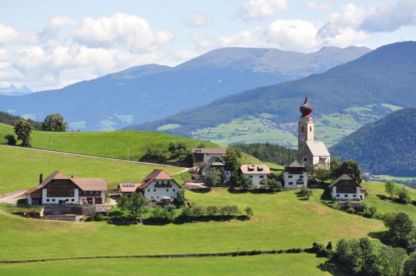 suedtirol ritten rosengarten berge dolomiten italien