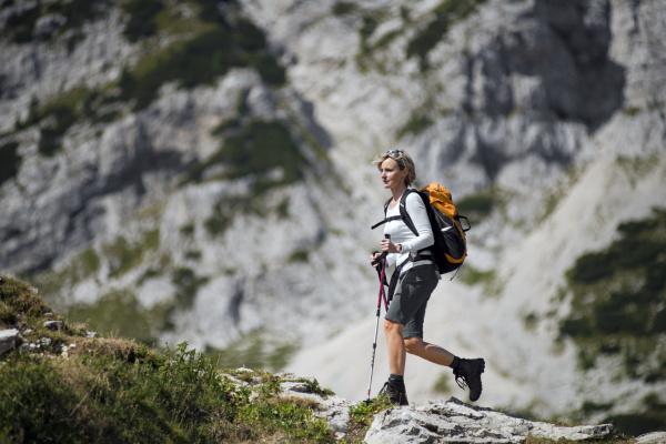 hiking - 10104617