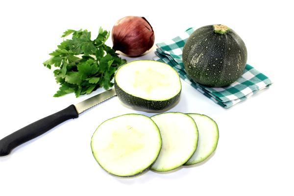 round raw zucchini