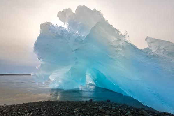 iceberg beach jokulsarlon iceland