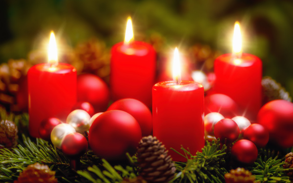 advent wreath with four flames
