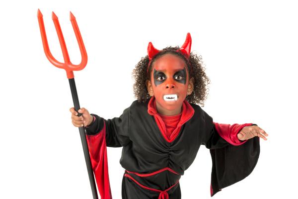 kid, in, halloween, costume - 16320809