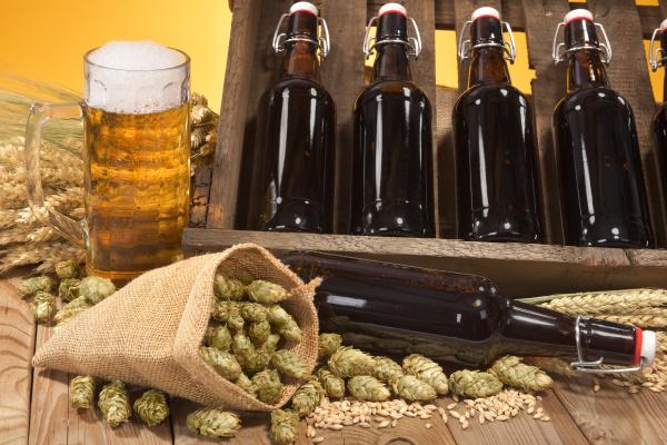 bierkasten, with, beer, glass - 16345405
