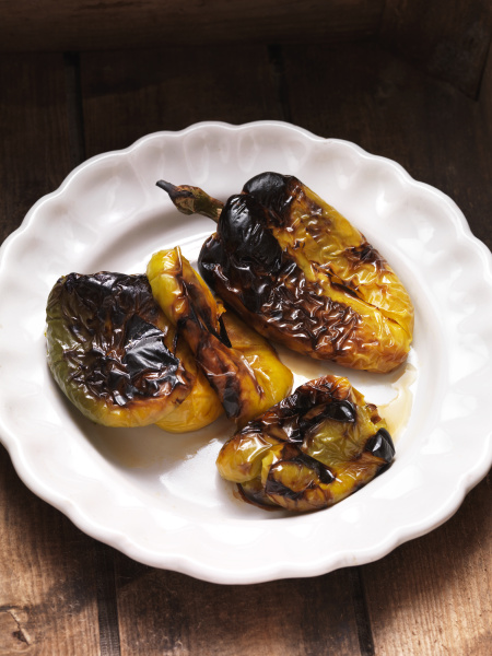 char grilled green and yellow peppers