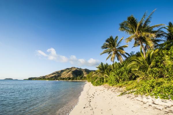 white sandy beach oarsman bay