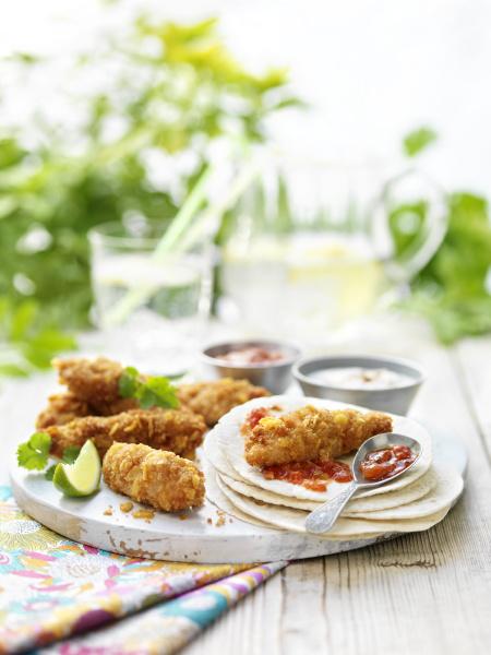 mini crispy chicken fajitas with tortilla