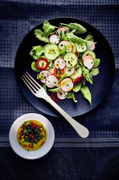 cucumber salad with radish