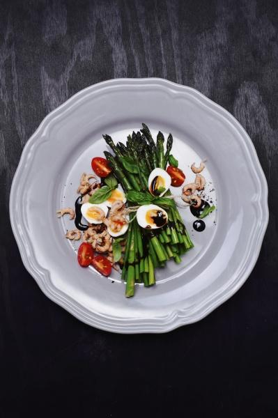 green asparagus with quails eggs shrimps