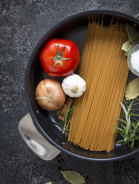ingredients for one pot pasta spaghetti