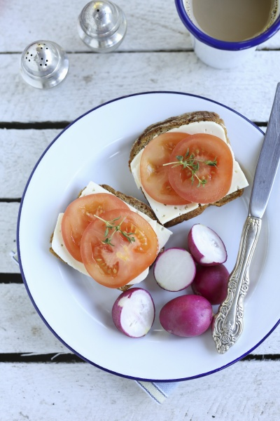 simple breakfast sandwich with cheese tomato