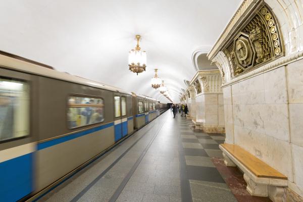 komsomolaskaya metro station moscow