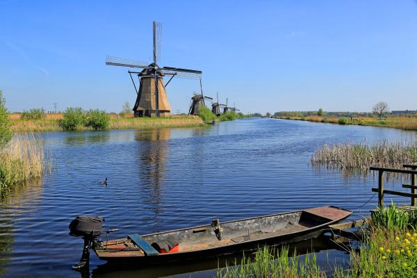 windmill in kinderdijk unesco world