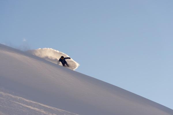 snowboarding in powder snow st