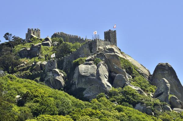 castle ruin castelo dos mouros in