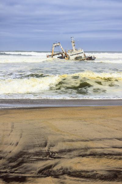 shipwreck at henties bay dorob