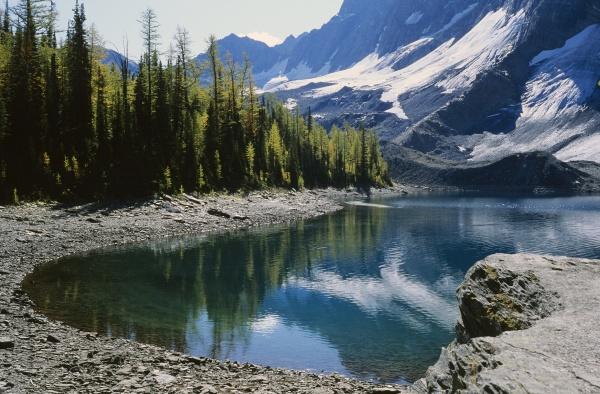 floe lake kootenay national park british
