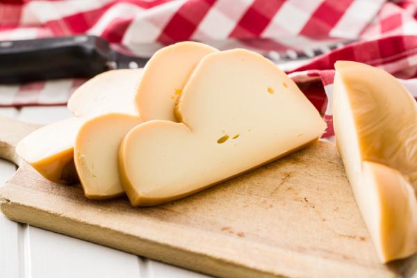 scamorza italian smoked cheese