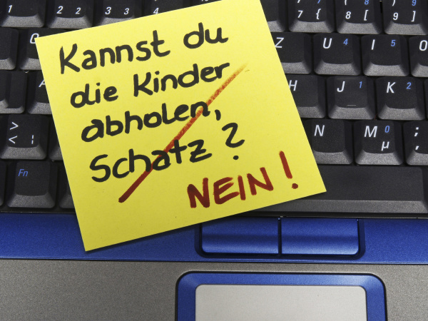 memo note on notebook can you