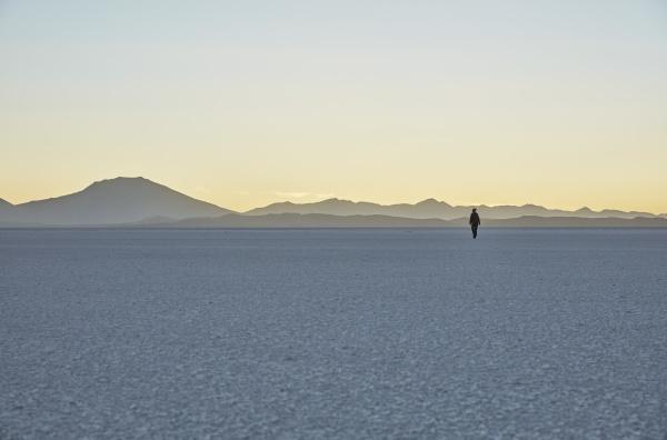 bolivia salar de uyuni woman walking