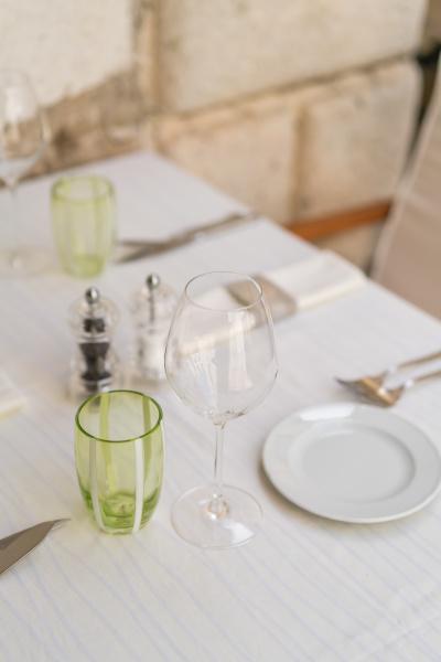 restaurant table setup prior to service