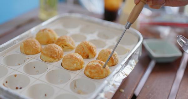 make of takoyaki at home
