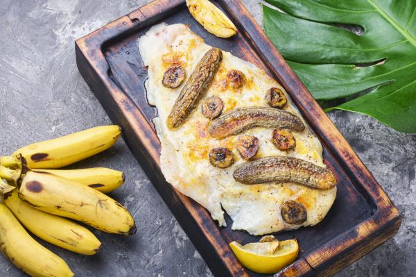 baked fish with banana