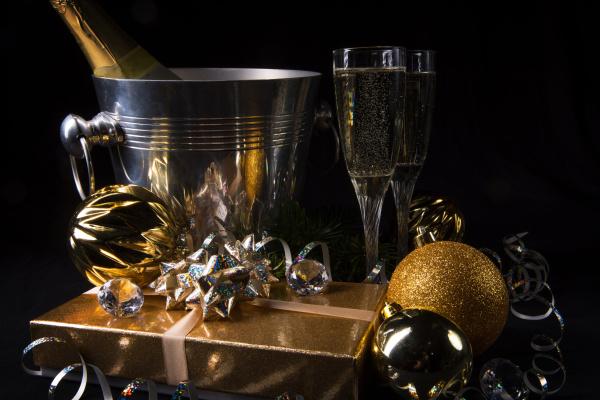 new year sparkling wine