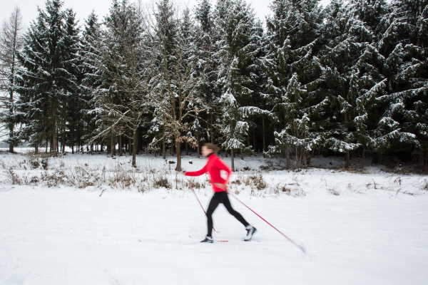 cross country skiing young woman