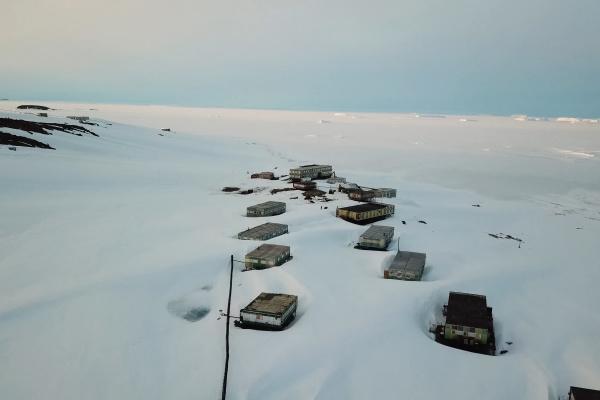 beams and cars of antarctic station