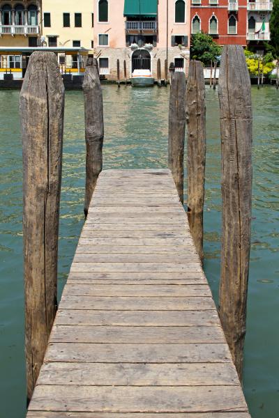 wooden pier venice