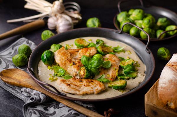 grilled chicken with garlic cream