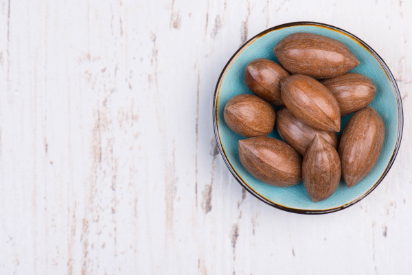 pecan nuts with the nutshell on