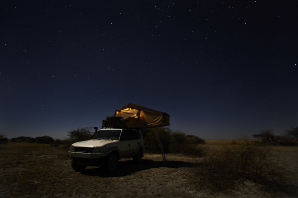 tent on off road vehicle on