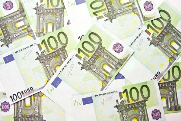 100 euro bills background