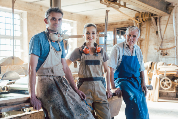carpenter, family, business, with, generations, in - 28076392