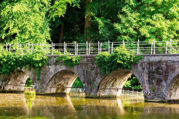 park with stone bridge old european