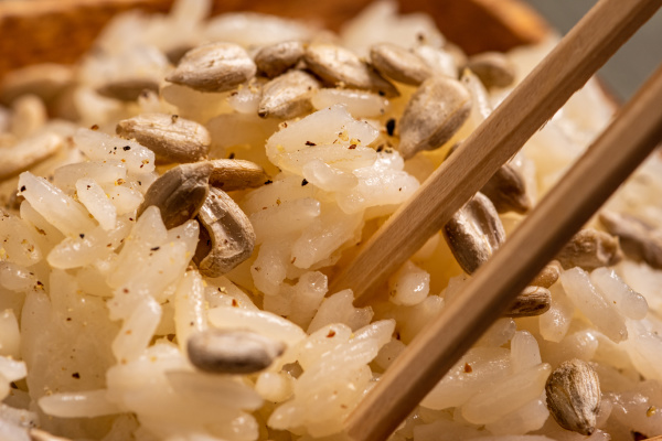 cooked, rice, to, accompany, other, homemade - 28093054
