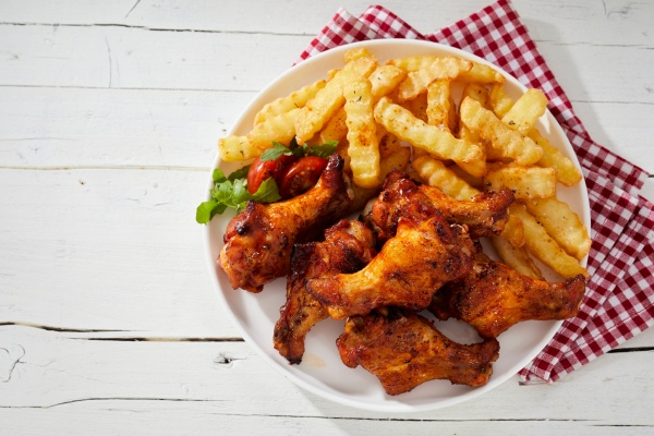 crispy barbecued spicy chicken wings with