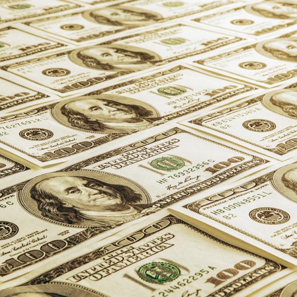 one hundred dollar american bills