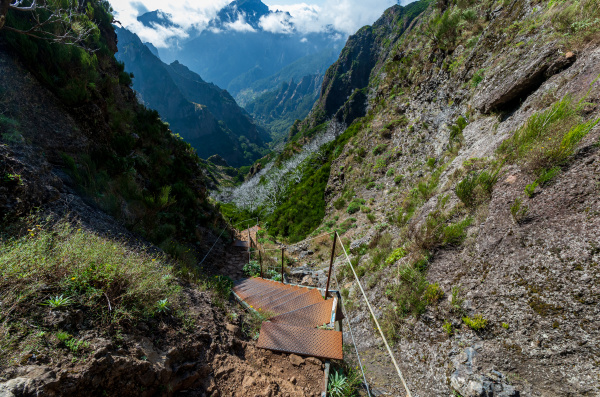 from, mountain, pico, arieiro, to, pico - 28215328
