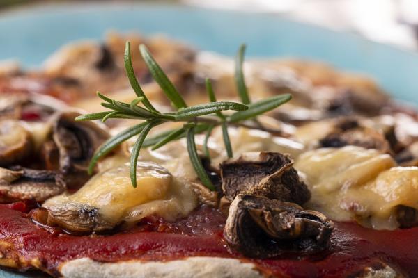 rosemary, on, a, mushroom, pizza, on - 28238668