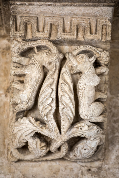 romanesque, capitals, of, the, columns, in - 28239083