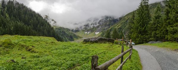 way to the lake hintersee