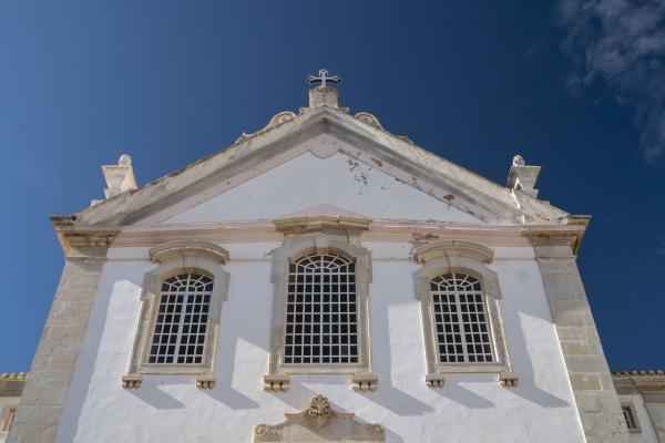 church facade in the algarve