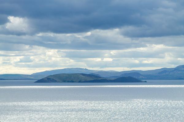 leirvogsvatn lake on the road to